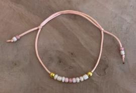 M&M kralenbandje satijn gold/pink (meerdere kleurtjes)