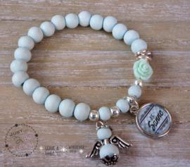 Armbandje voor de juf, met naambedel en/of engeltje MINT
