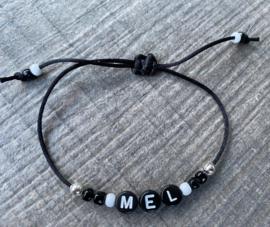M&M naamarmbandje satijn zwart/wit  (meer kleuren mogelijk)