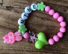 Armbandje naam pink green hart