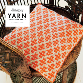 YARN The After Party nr. 44 - Busy Bees Cushion