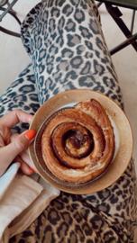 Vegan Cinnamon roll (los item bij te bestellen bij alle pakketten)