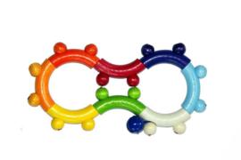 Houten rammelaar achtvormig | regenboogkleuren
