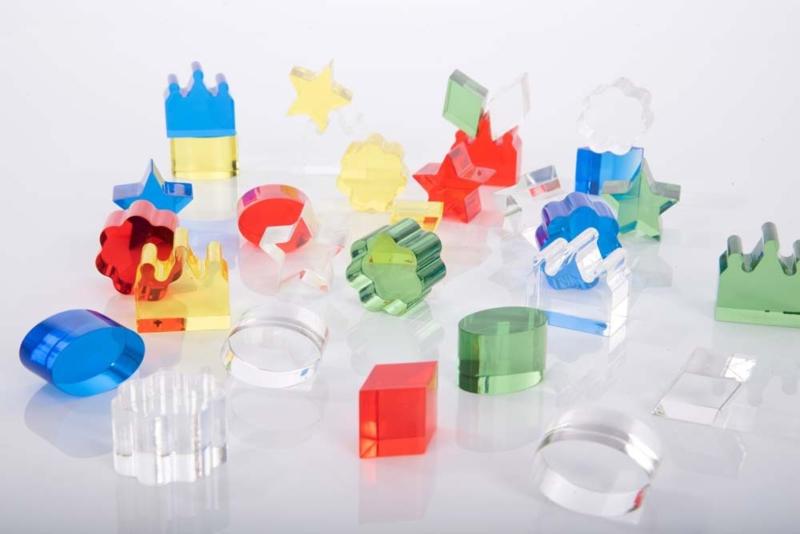 Kristalheldere gekleurde acrylblokken TickiT    30 dlg.