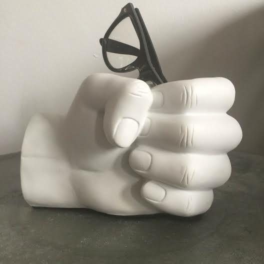 White hand pen holder - ComingB