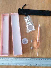 pen/ pincet met licht en loep