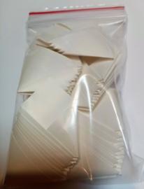 kleine gevouwen blanco seals/envelopjes 50st 65 mm x 65 mm