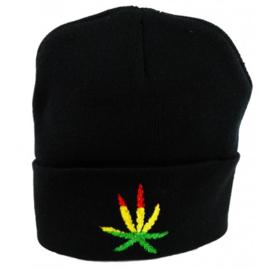 zwarte muts met Rasta cannabis blad