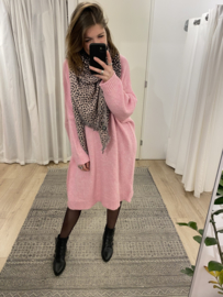 Knitted wide pull dress - pink