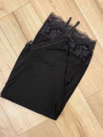 Lace slip dress - black