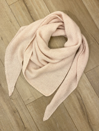 Knitted triangle scarf - light pink
