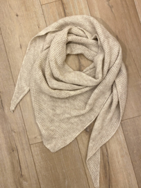 Knitted triangle scarf - beige
