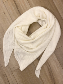 Knitted triangle scarf - off white