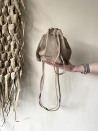 Suède pouch crossbody bag - sand