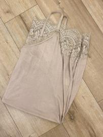 Lace slip dress - beige