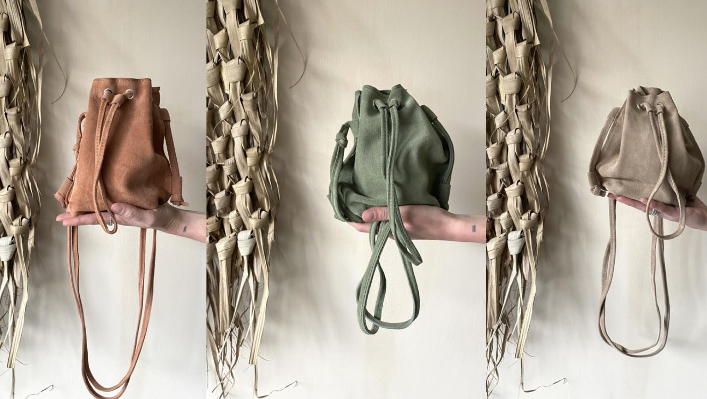 Suède pouch crossbody bag