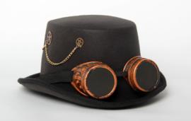 Hoge hoed zwart met radartjes, ketting en bril