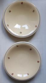 Twee borden van Badonviller Demi servies
