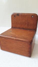 Oude houten zoutpot