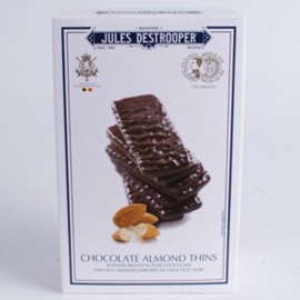 Jules Destrooper amandelbrood met pure chocolade.