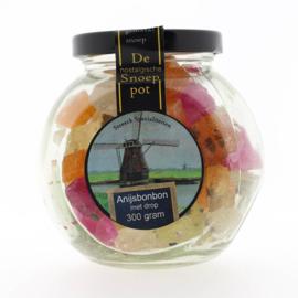 Streeck Anijs bonbons met drop in pot
