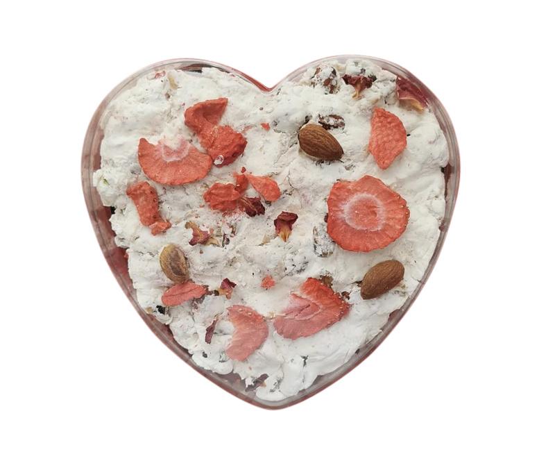 Het Baklokaal Nougat Hartvorm Aardbei-Roos ca. 200 gram