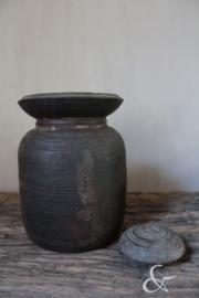Oud houten kruikje met dekseltje nr. 3