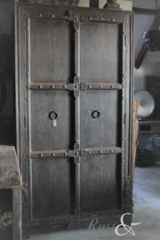 Antieke kast