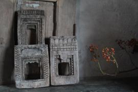 Tempelpaneeltje van klei, rechts