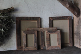 Oud houten fotolijst 20x28 cm