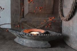 Oud houten kruidenbakje