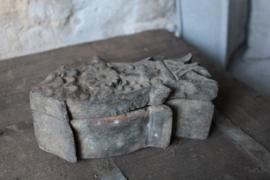 Oud houten spicebox