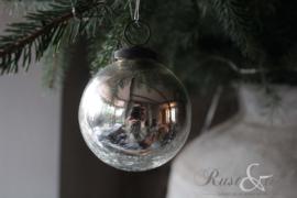 Kerstbal zilver crack