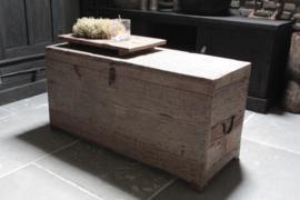 Oude houten kist/ salontafel kist