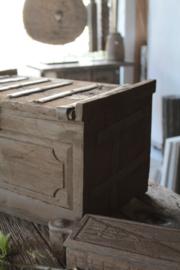 Oud houten kistje