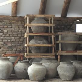 Originele oude waterkruiken