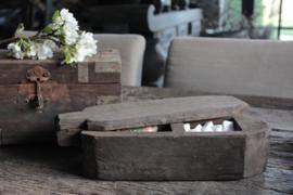 Oude houten spicebox/ theedoos