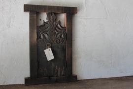 Oud houten paneeltje Aura Peeperkorn