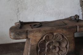 Oud houten oliepotje