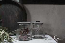 Glazen voorraadpotje met houten dekseltje