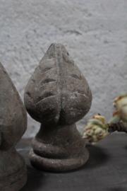 Houten ornamentje, rechts