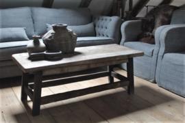 Oud houten salontafel
