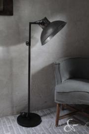 Vloerlamp stoer, industrieel, metaal