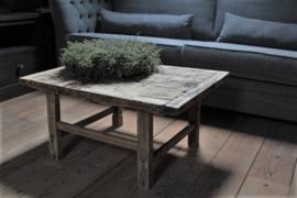 Oud houten salontafel 80,5 cm