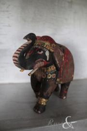 Oud houten olifantje