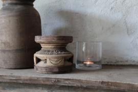 Oud houten vijzel