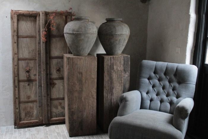 Robuust houten zuil