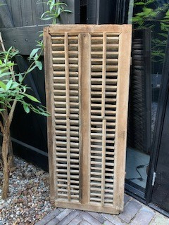 Oud houten luik