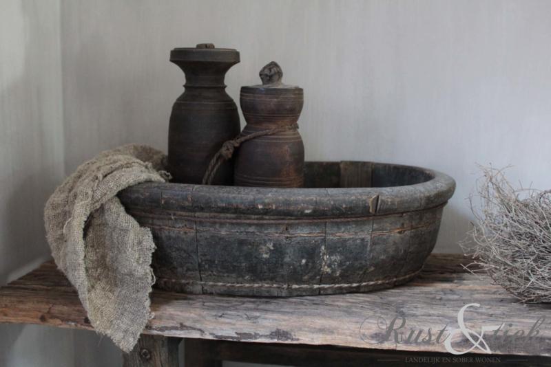 Oud houten kruikje met dekseltje nr. 2