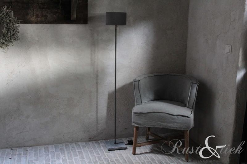Lampje Aura Peeperkorn, stenen voetje